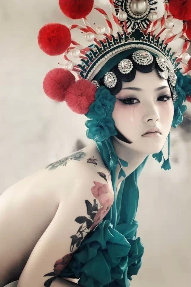 没穿衣服的京剧妹妹写真是谁图片