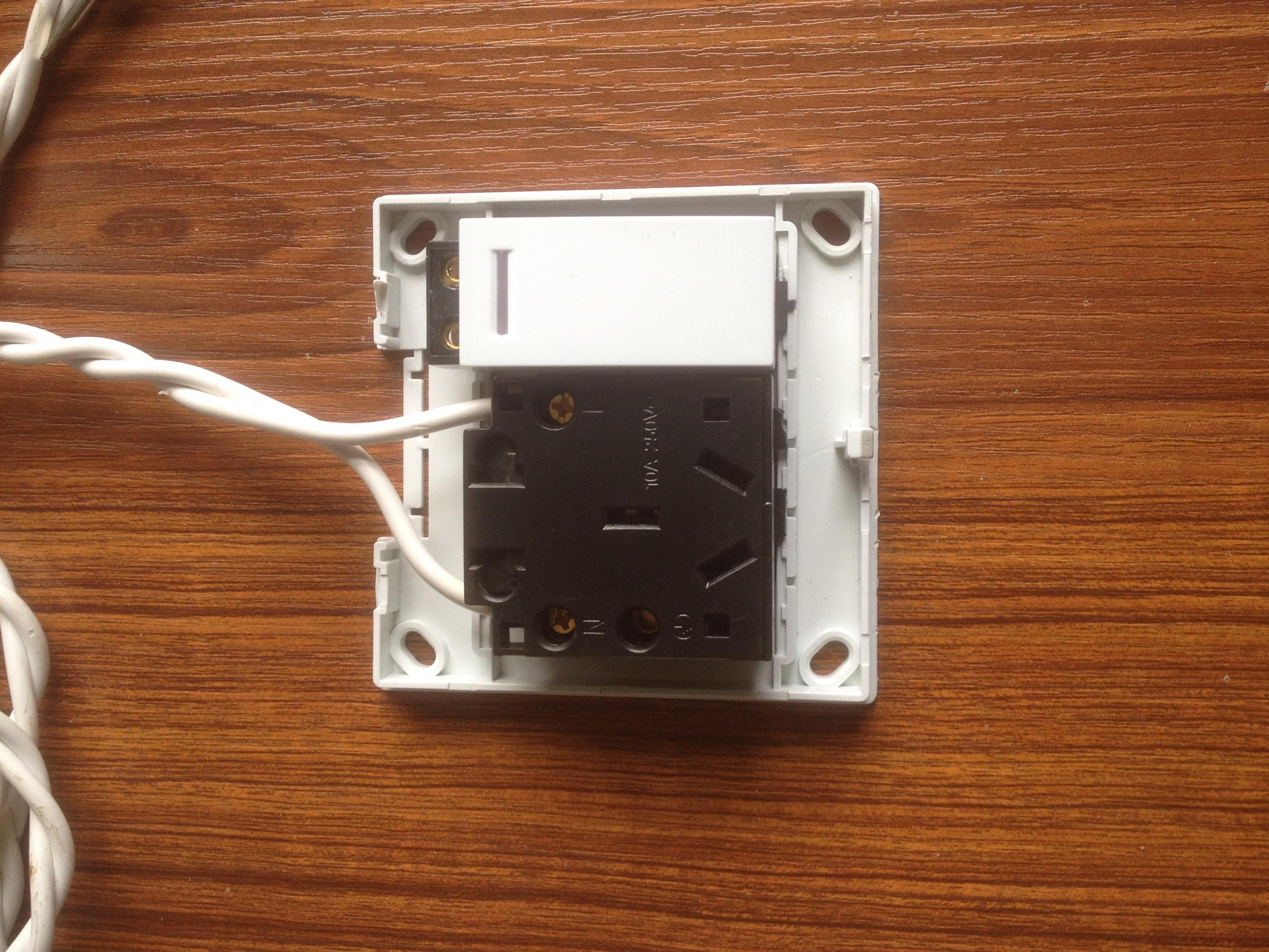 带开关的插座怎么接线,可以让开关控制插座,求图示.