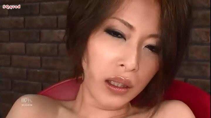 请问这个av叫什么?上嘴唇有点厚