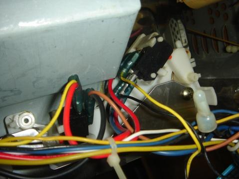 格兰仕微波炉wd800b的门开关接线图 ,谁可以给我图啊