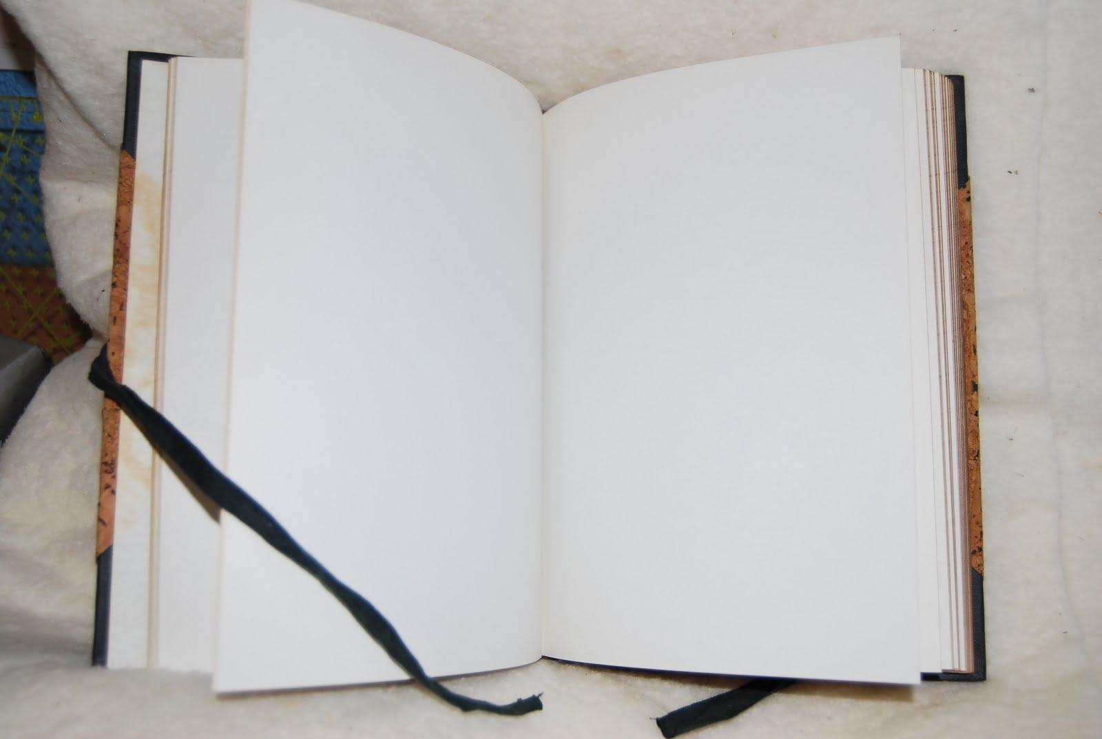 求背景图片 以空白书页背景元素