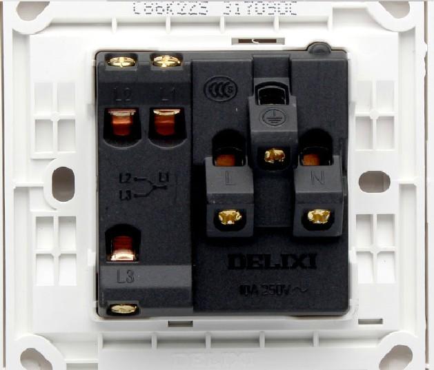 德力西一开三孔 用开关控制灯 求接线图