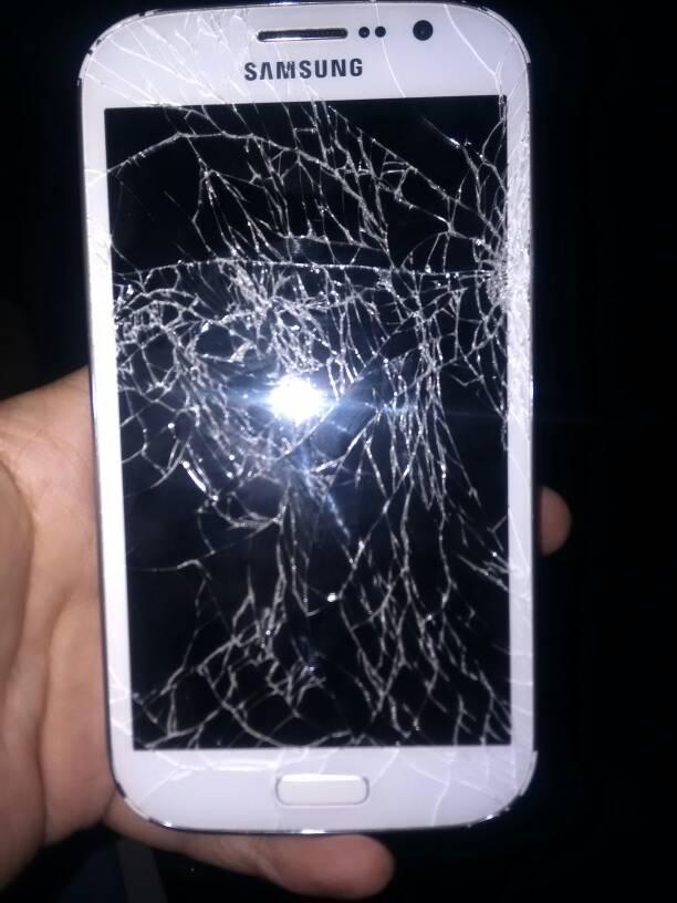 手机屏幕摔碎保险 碎屏险是外屏还是内屏
