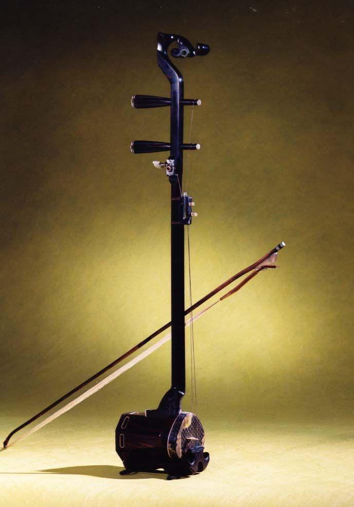 琴杆和琴筒连接处是弯的二胡有专门的名称吗?哪里可以图片