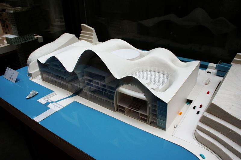建筑模型里面水是怎样做出来的,用什么材料?