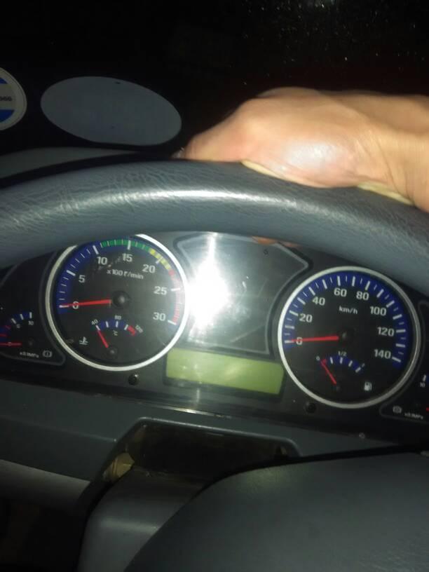 欧曼货车仪表盘怎么两个气压表,为什么打气那么慢,打到什么位置图片