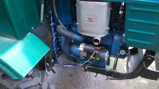 农用车《拖拉机》想装电起动.请问怎么个接法? 最好给个电路图 谢谢了
