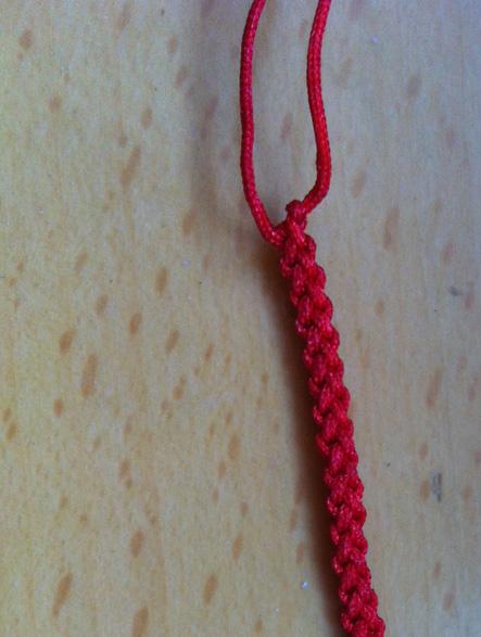 求助!这是什么红绳手链编法!教教我!