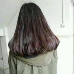 这是什么发型?一个半卷梨花头吗?图片