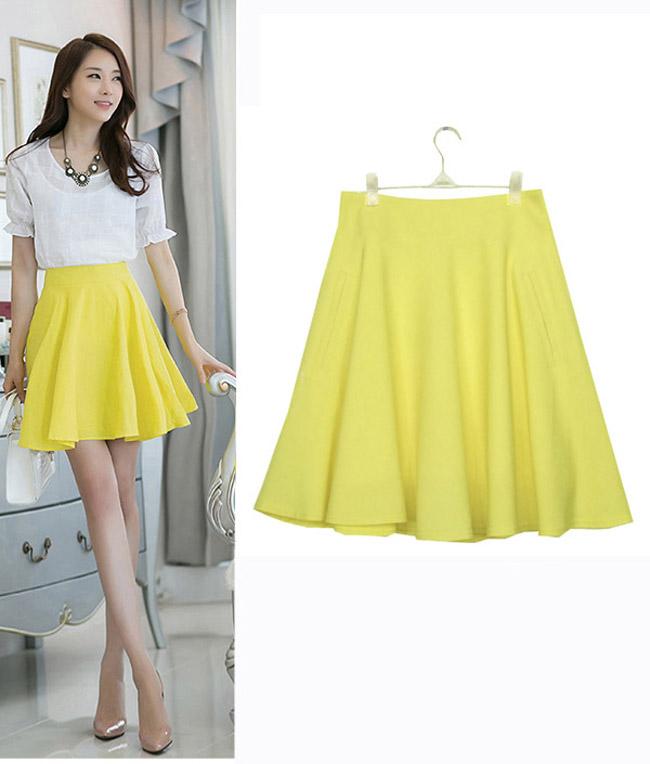 黄色衣服太明显怎样回比人_否则黄色配红色或配绿色就太俗气,农村人常那样穿着.
