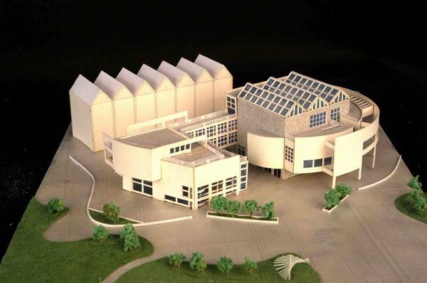 我是建筑学的学生,现在要做一个模型作业,我相中了德国乌尔姆市政厅