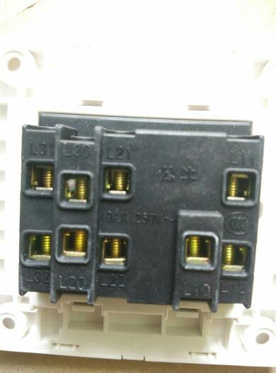 三开开关接十四个筒灯三个射灯一条灯带怎么接线啊~求大神带图指点