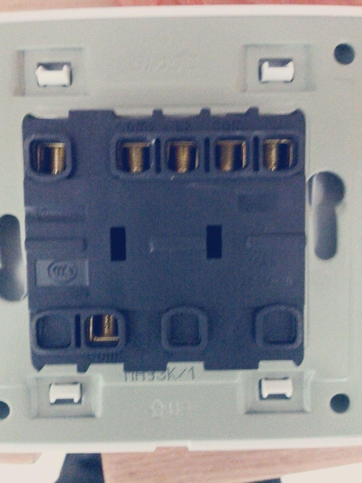 这种开关面板怎么接线啊?