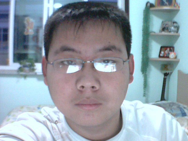 圆的胖脸男生适合什么发型?