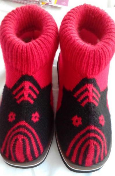 手工毛线棉鞋编织添针