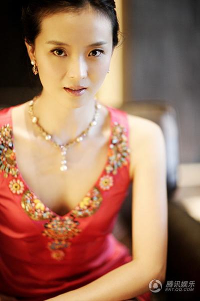 京剧演员 王艳 谁有王艳的照片 她张的太好看了图片