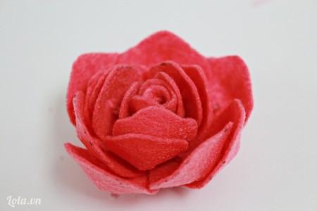 如何diy简单的手工布玫瑰花方法图解