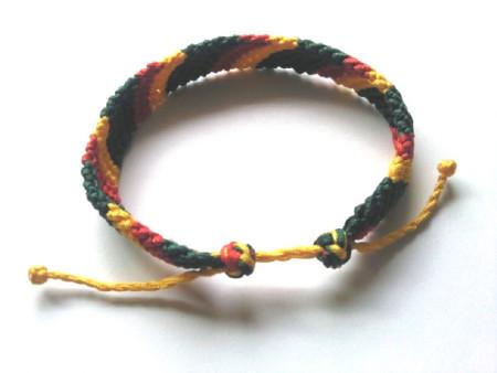 绳编手链的伸缩怎么做 每边各剩四个线头