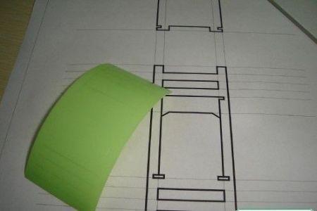 1.用铅笔在白纸上绘制制出要小凳子的制作图纸.图片