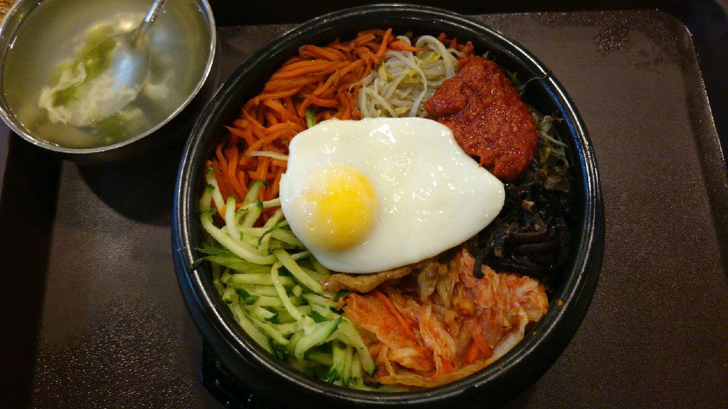 我大虎溪1食堂济州岛石锅拌饭之原味韩式石锅饭,真的比外面商场那些