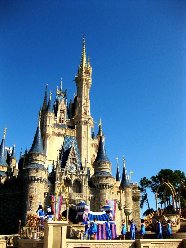 [53图]迪士尼奇幻王国 特别适合小孩子来,建筑都很可爱,有很多童话