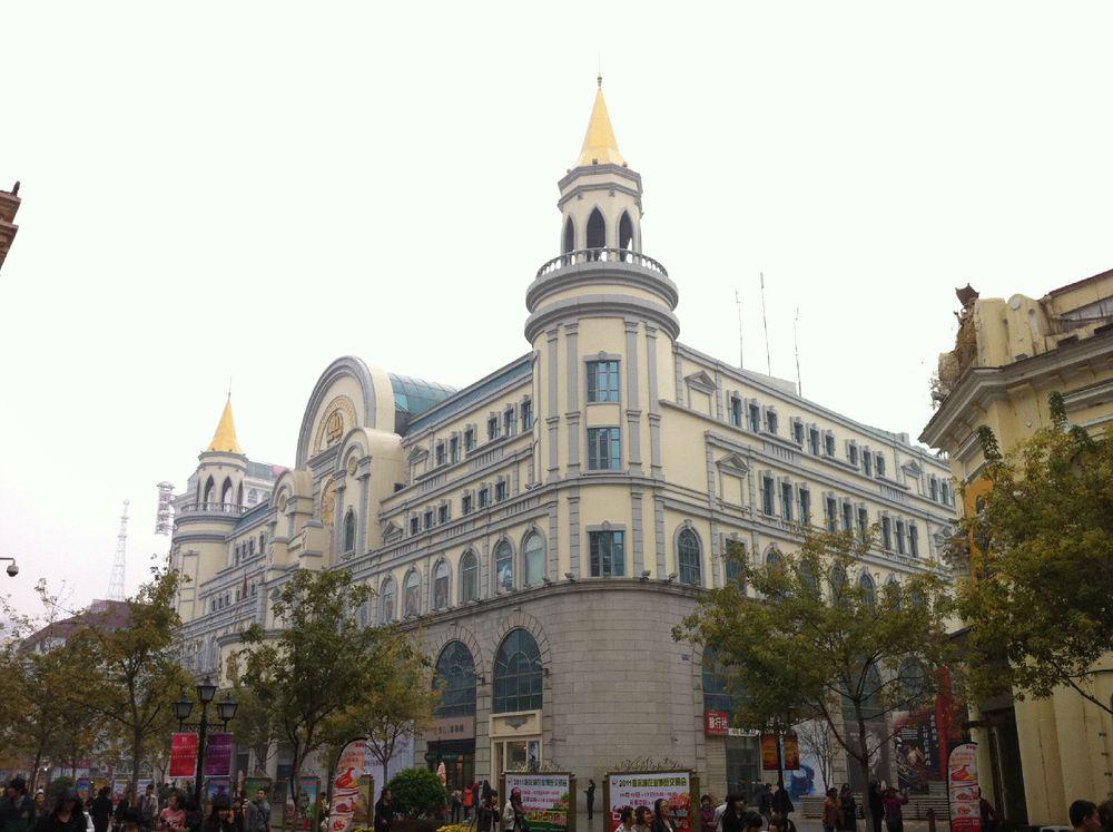 欧式建筑71栋,汇集了文艺复兴,巴洛克,折衷主义及现代多种风格等欧式