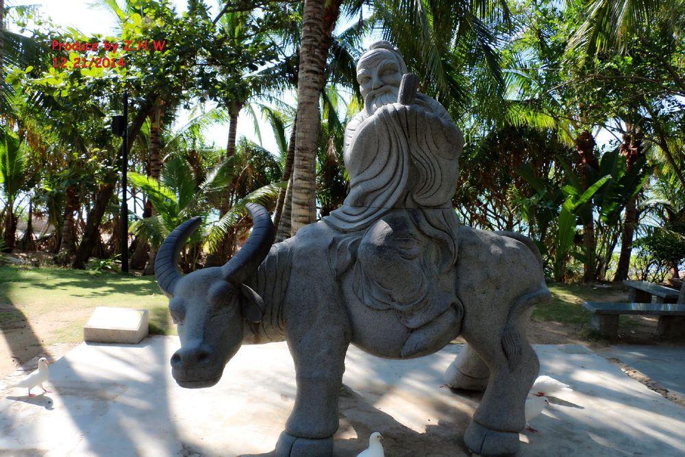 老子骑牛雕塑图片