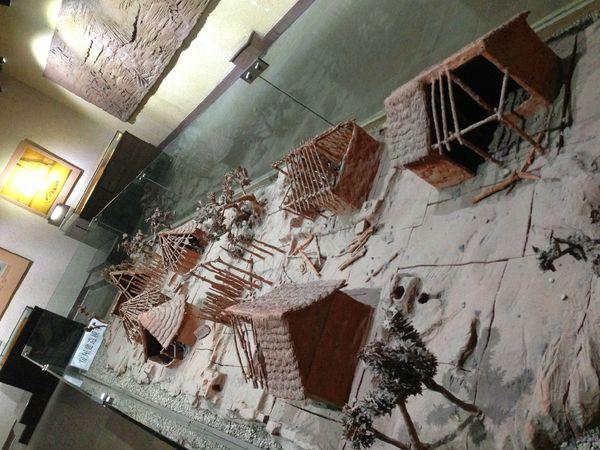 半坡人房屋模型图片