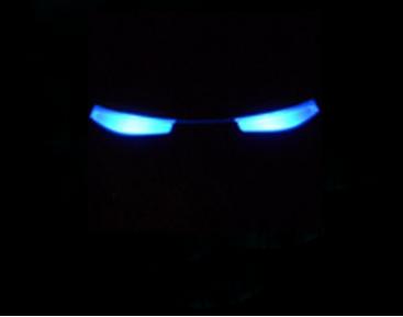 求win7钢铁侠开机动画,要最后是眼睛的那个图片
