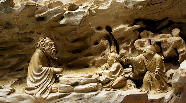 """东阳木雕的著名艺人有杜云松,黄紫金,楼水明,他们被分别称作""""雕花"""