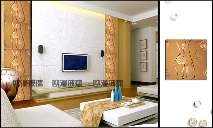 电视背景墙用金茶色的艺镜做边框,中间配什么颜色壁纸