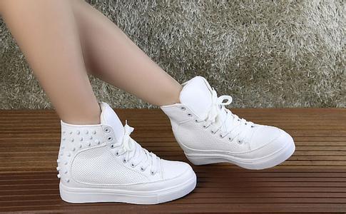 白帆布鞋怎么洗_白色帆布鞋脏了怎么办?