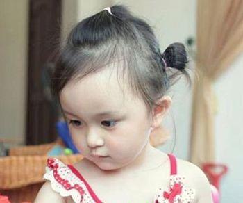 小女孩怎么扎拉拉头发