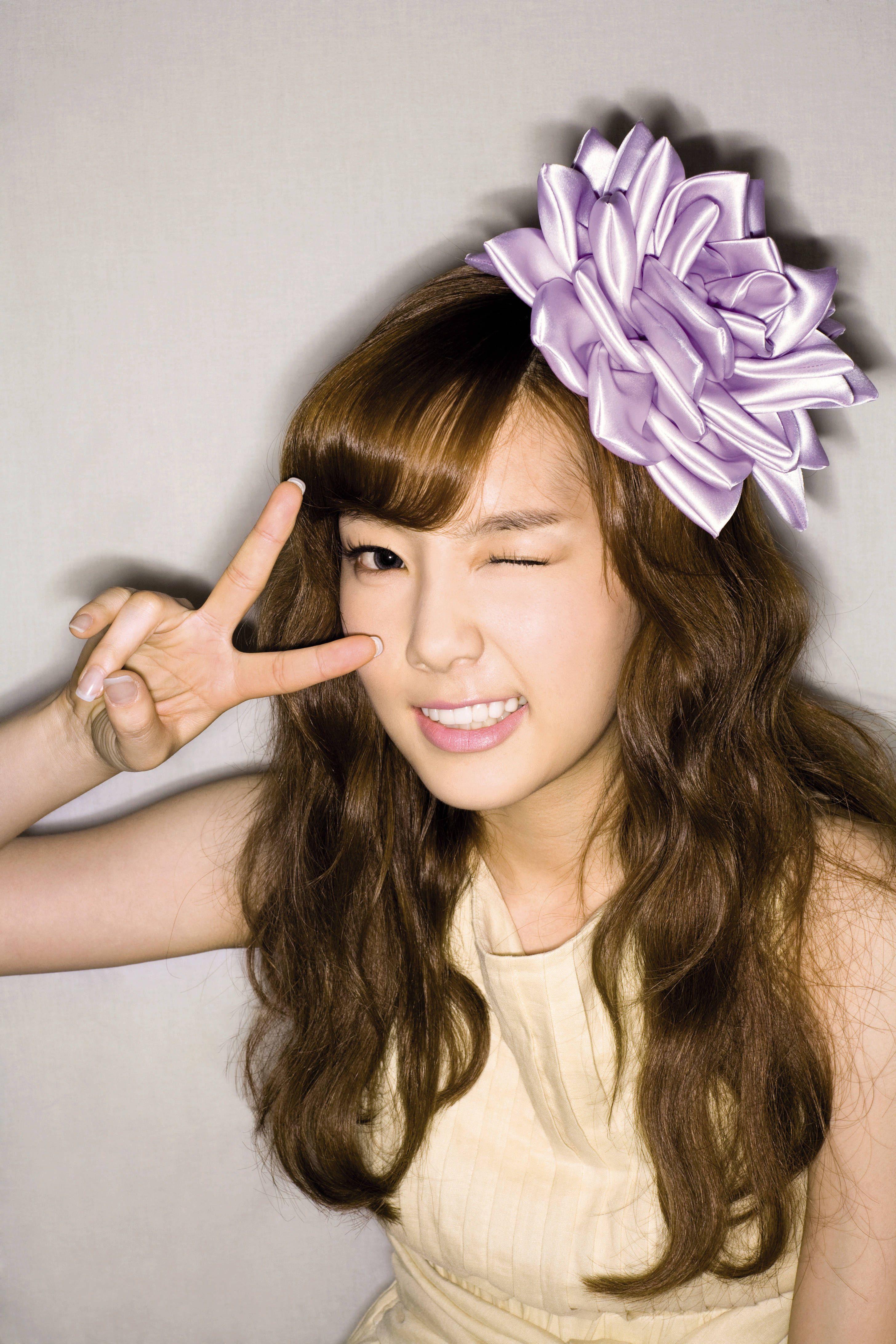 谁有少女时代小队金泰妍的可爱照片?发点给我