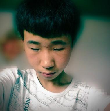 男中学生的发型 不要染烫, 本人1.63m 初二 学生 照片