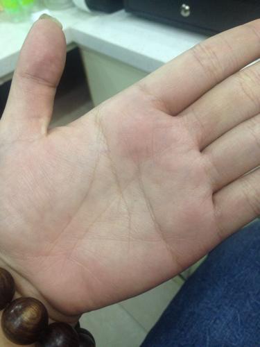 请问男生左手掌纹是这样的手相如何求高人解答!