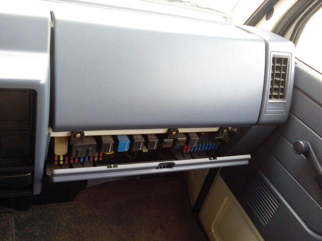 江铃顺达两箱农用车空调继电器在哪