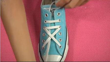 五个孔的鞋带系法.图解