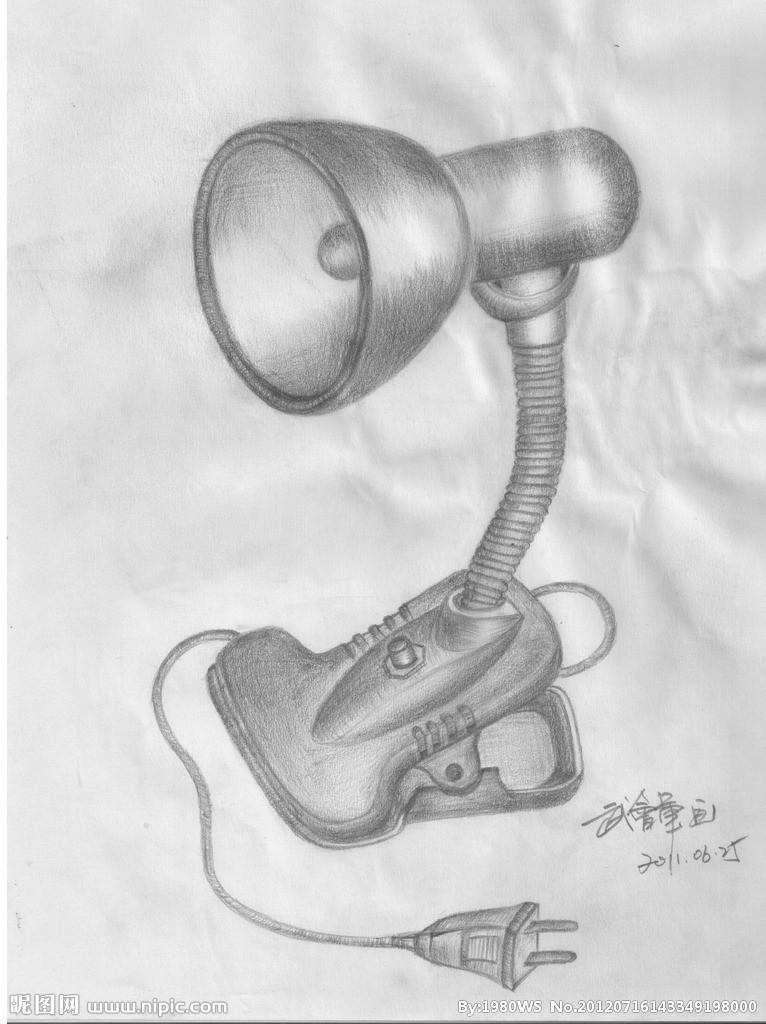 有台灯的设计素描  关于产品设计手绘图 想画一个产品,比如生活中的