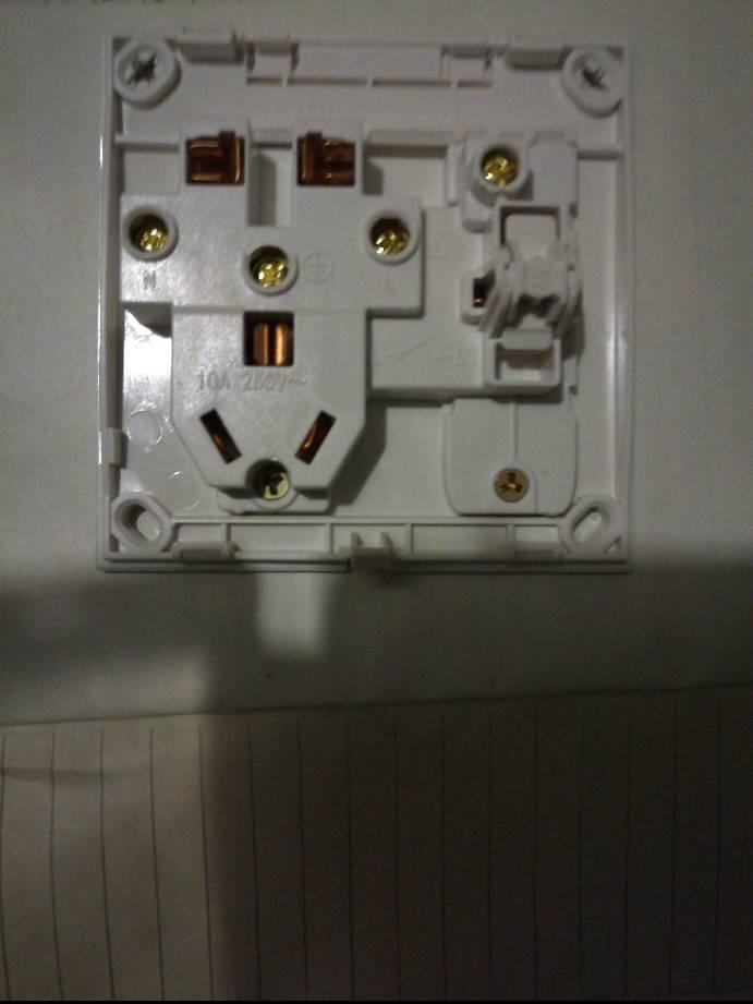 公牛一开五孔开关(开关控制插座)如何接线?