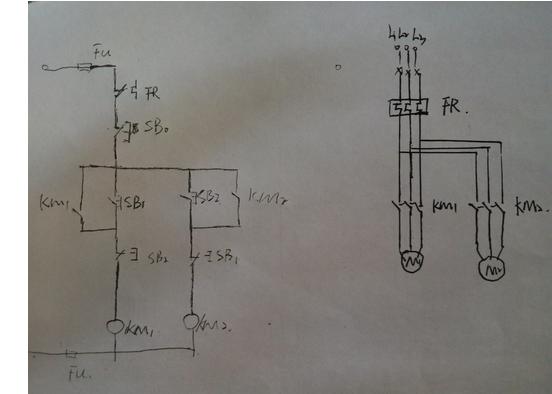 怎么用四个继电器控制两个电机的正反转啊?