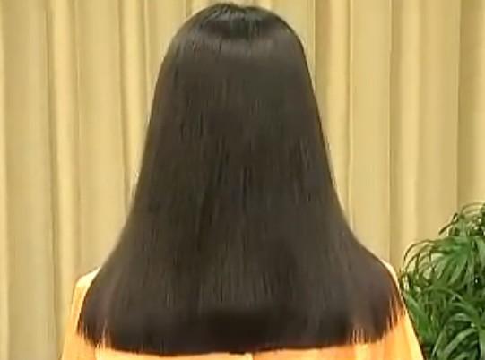 你说的是固体型的女生长发披肩发吧!零度修剪剪出来的图片