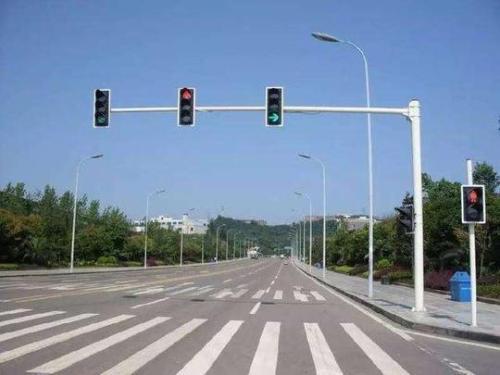十字路口红绿灯规则