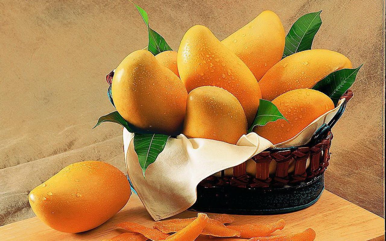 请问海鲜可以和芒果一起吃吗?