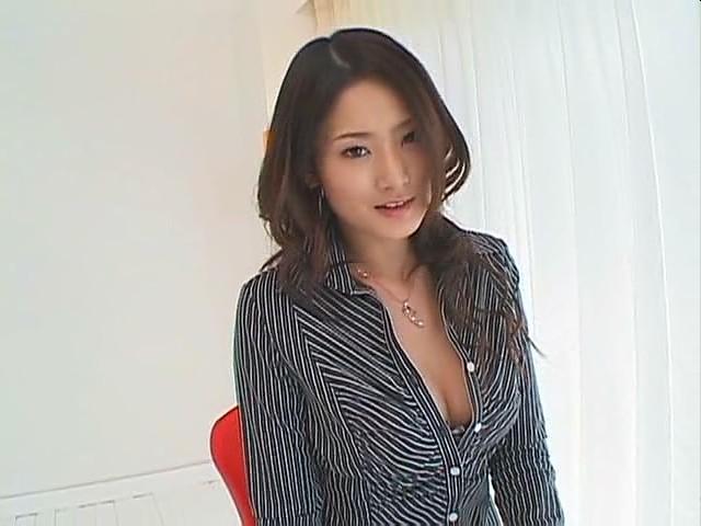 邀请更新  2013-01-17   最佳答案 她是: 村上,里沙 英文名  risako