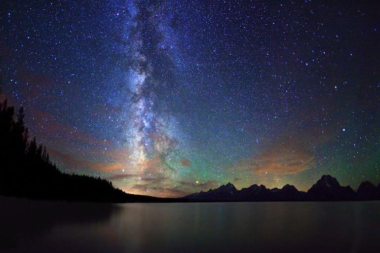 赣州银河欢乐影�_在农村肉眼能看到银河吗?