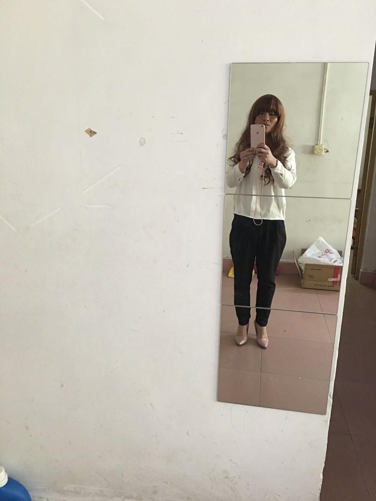 男人穿女式高跟鞋上街可以吗图片