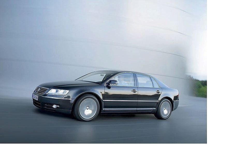 大众辉腾(volkswagen phaeton)是大众汽车公司生产的顶级豪华轿车,于
