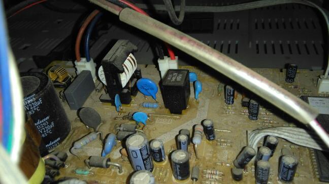 这老式彩电电路板上哪个零件是消磁电阻!懂得师傅入!谢谢96