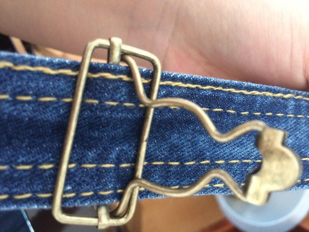 这种背带裤的扣子怎么装?葫芦扣里没有横线哦!在线